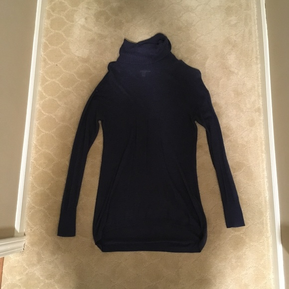 Nordstrom Sweaters - Chic & Slimming Blue Turtleneck